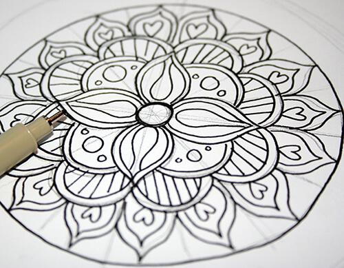 Completa las formas del mandala